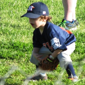 Willem plays T-ball